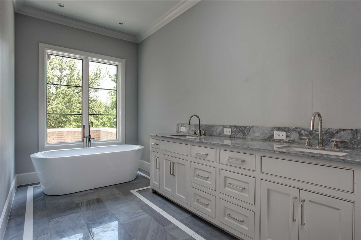 Luxury homes Beautiful new construction in gated Westover Square