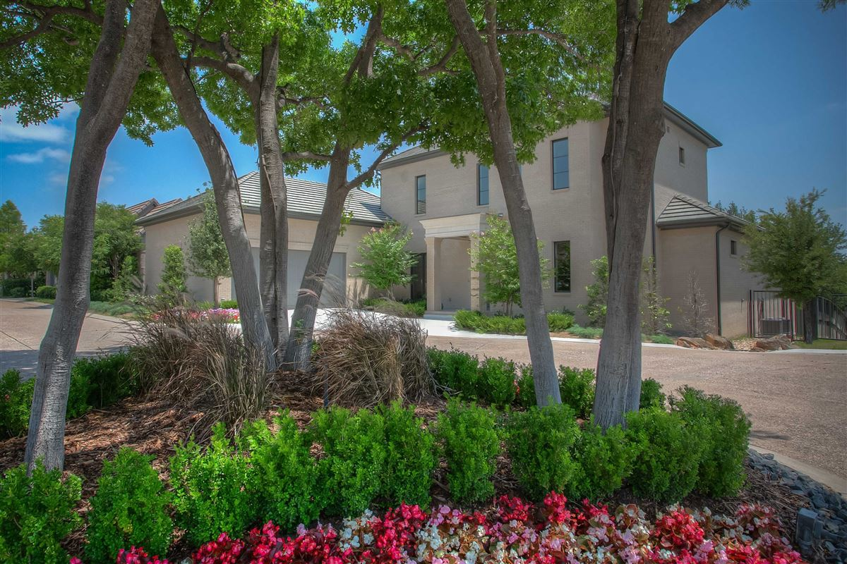 Beautiful new construction in gated Westover Square luxury homes