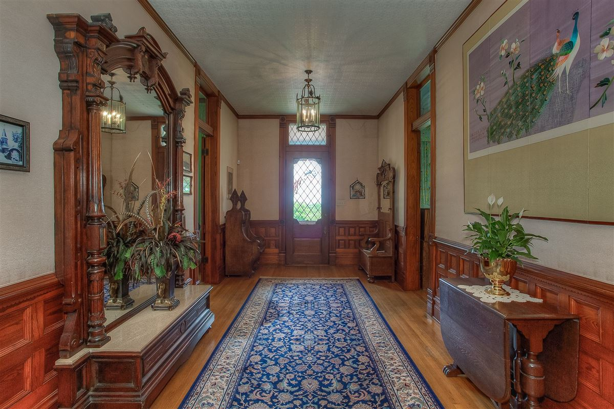 Luxury properties  Queen Anne style Victorian painted lady