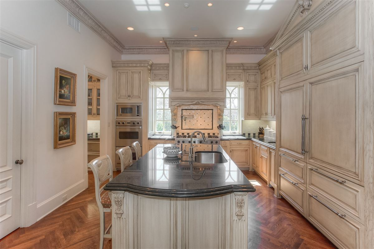 Luxury properties timeless design with exceptional quality and details