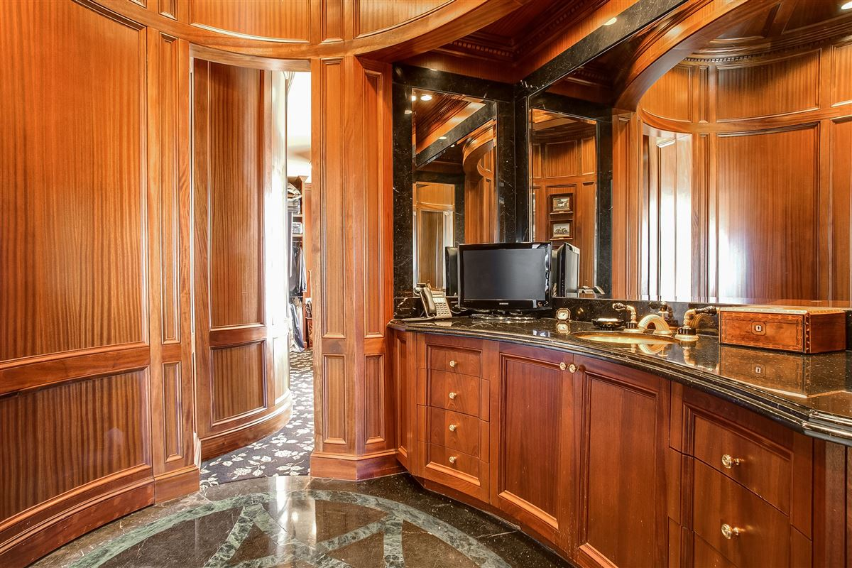 timeless design with exceptional quality and details mansions