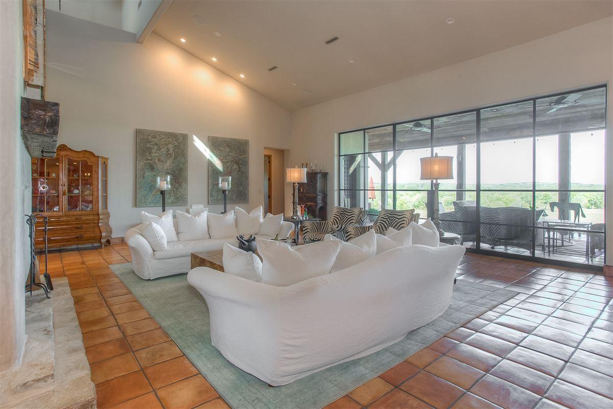 Luxury equine property  luxury homes
