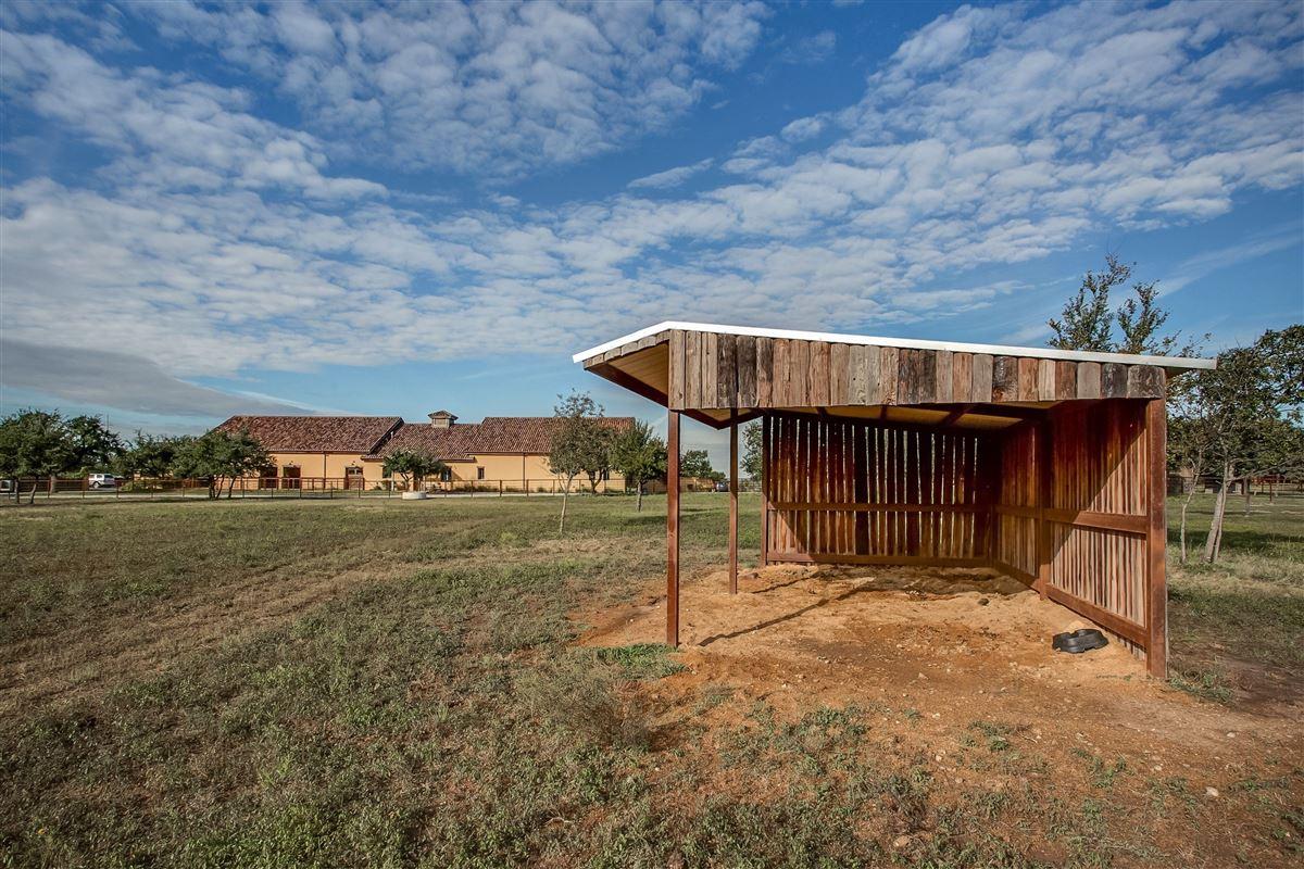 Luxury homes Luxury equine property