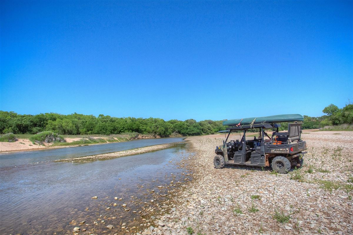 an idyllic Brazos River Valley ranch  luxury real estate