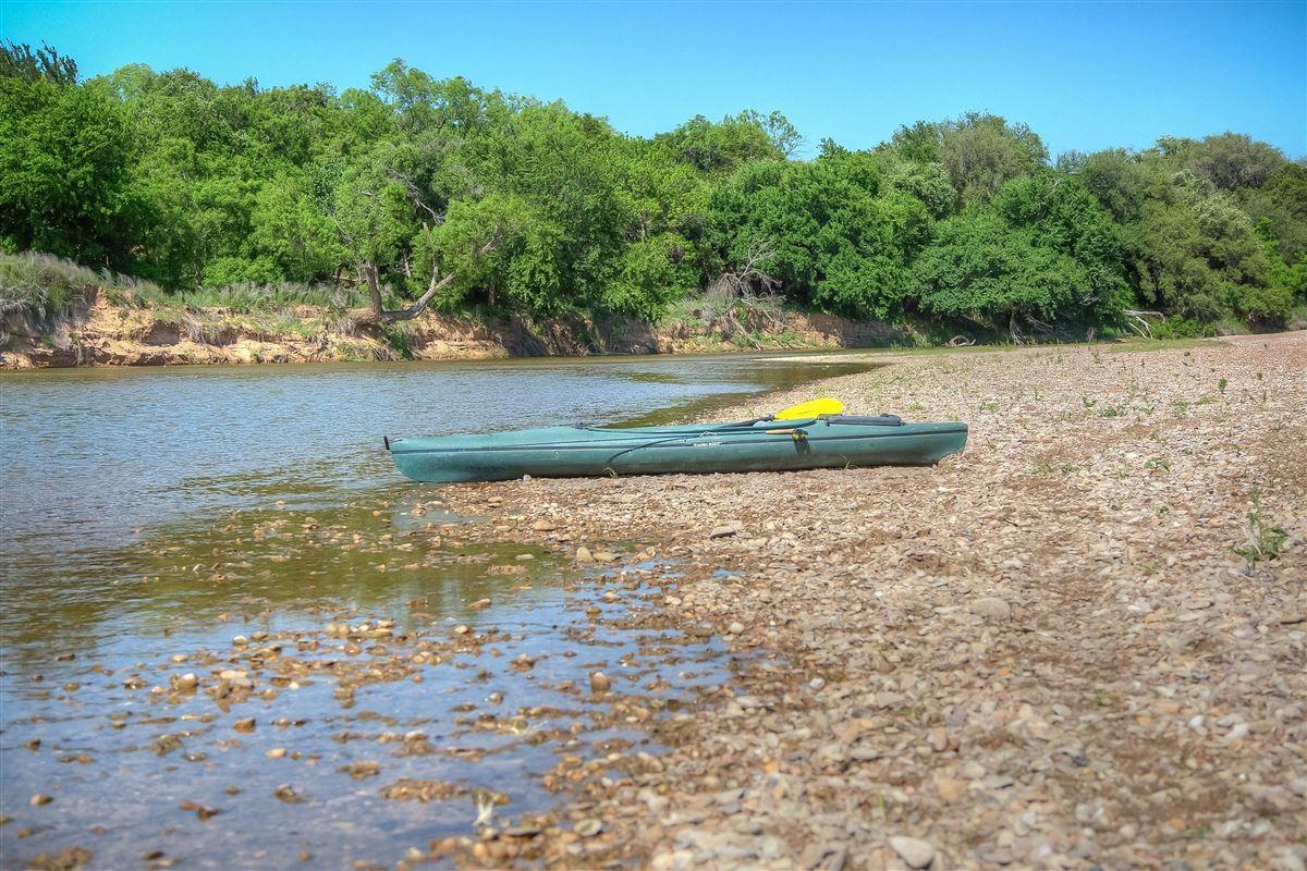 Luxury properties idyllic Brazos River Valley ranch