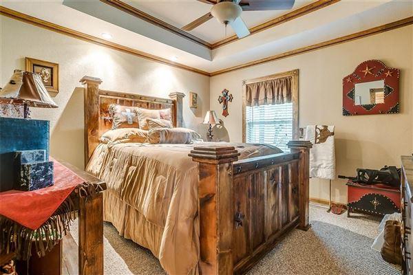 fantastic horse property mansions
