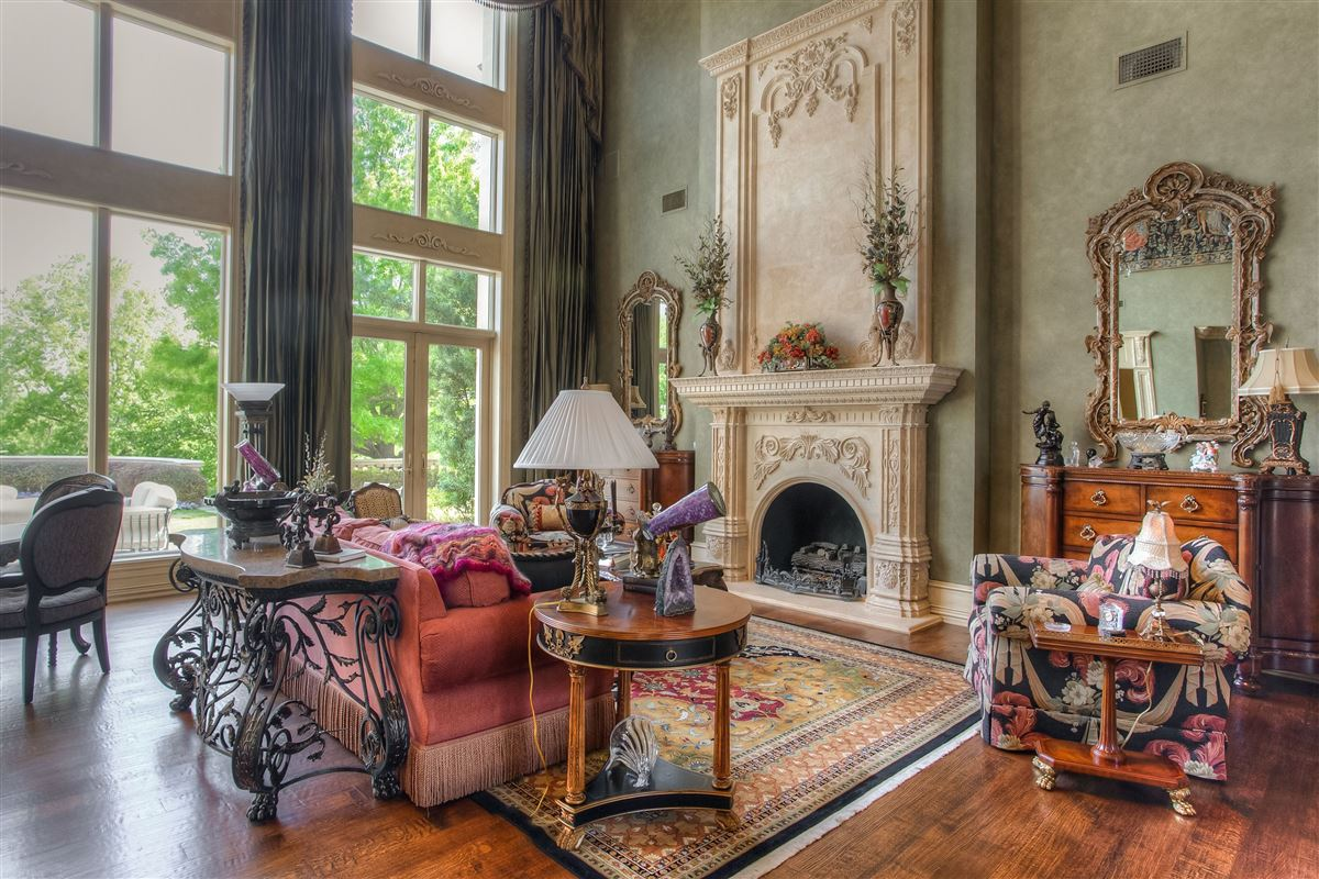 magnificent estate on sought after Overton Crest luxury properties