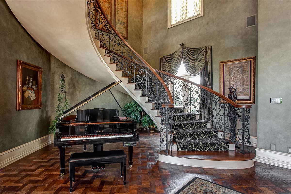 Mansions in magnificent estate on sought after Overton Crest