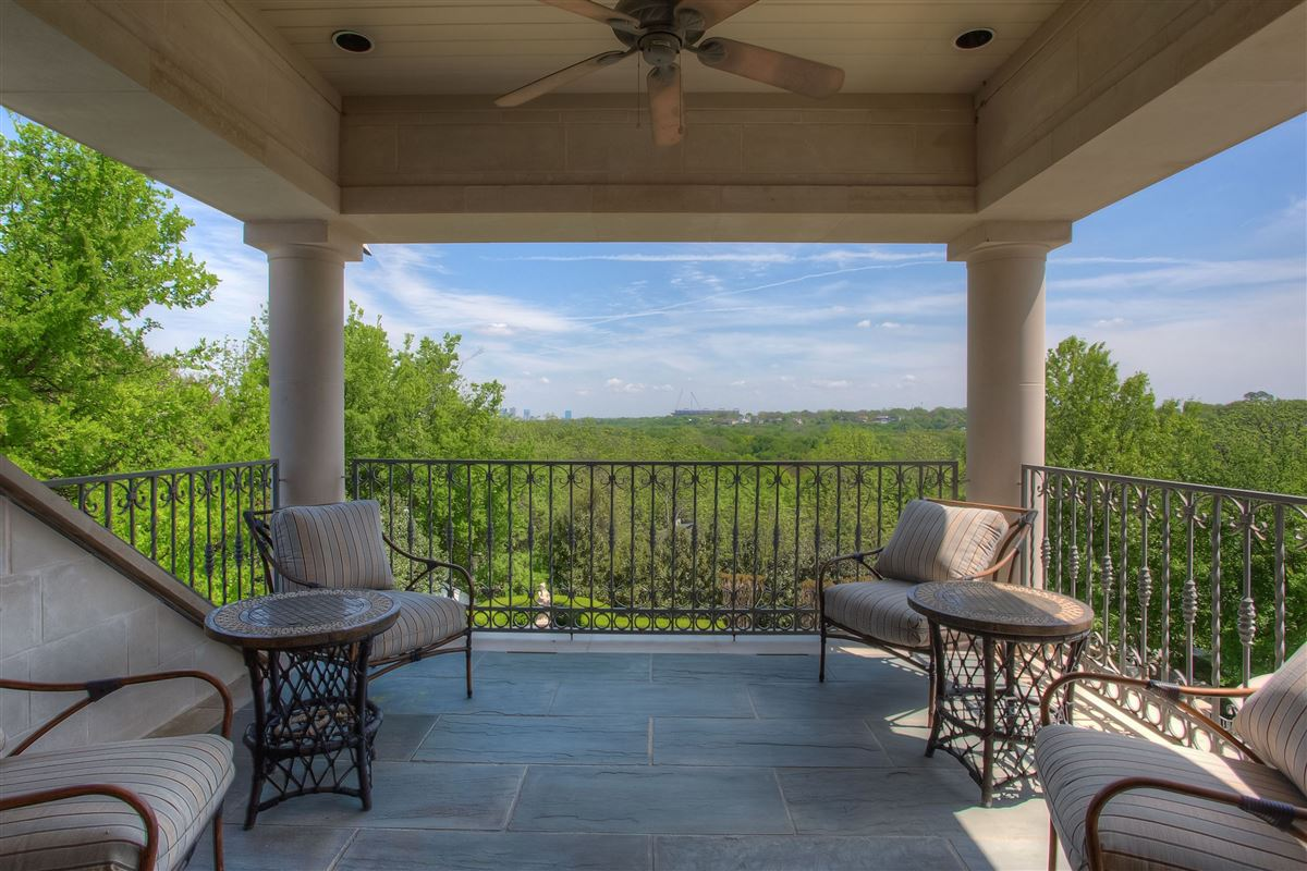 Luxury homes in magnificent estate on sought after Overton Crest