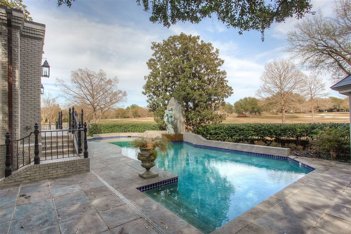 Luxury homes in Gorgeous Rivercrest Estate