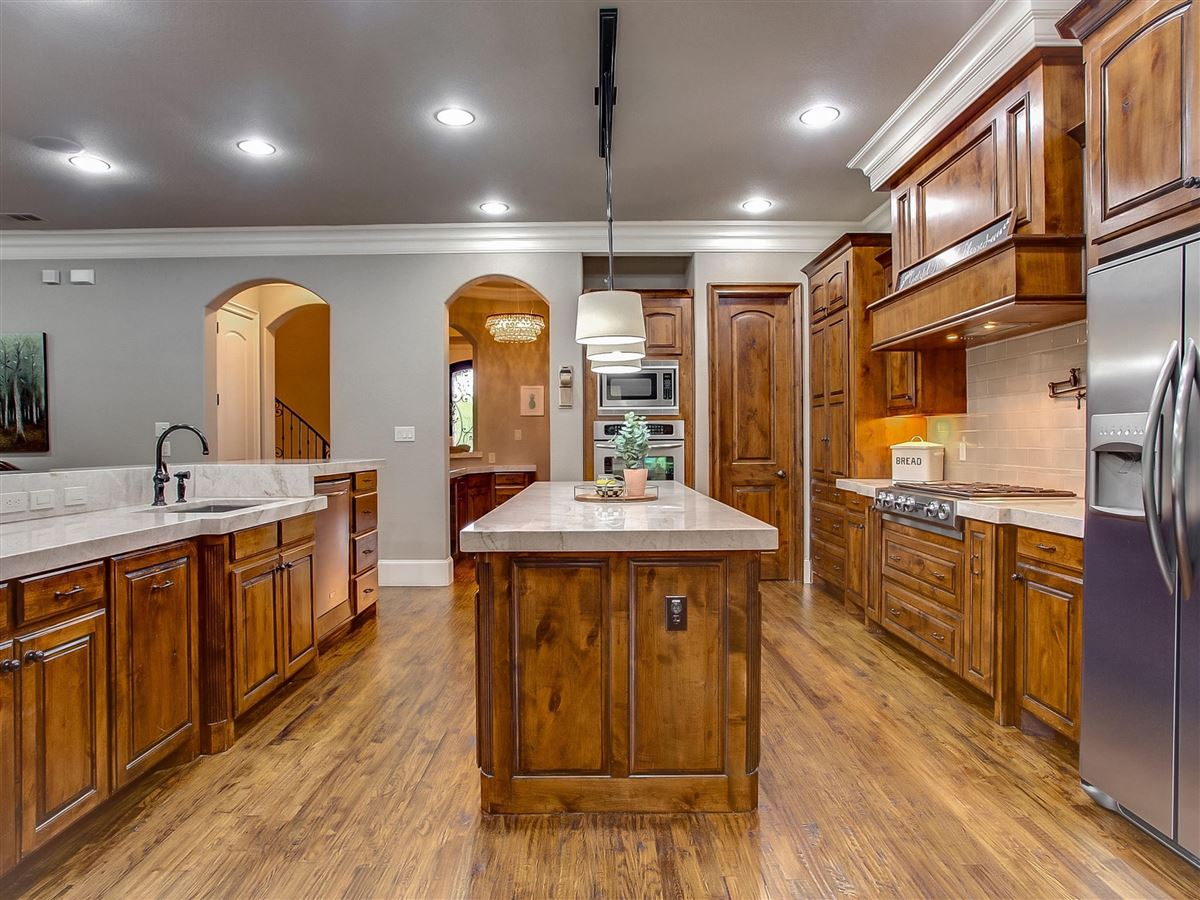 Mansions custom home Maintained for excellence and ready to go