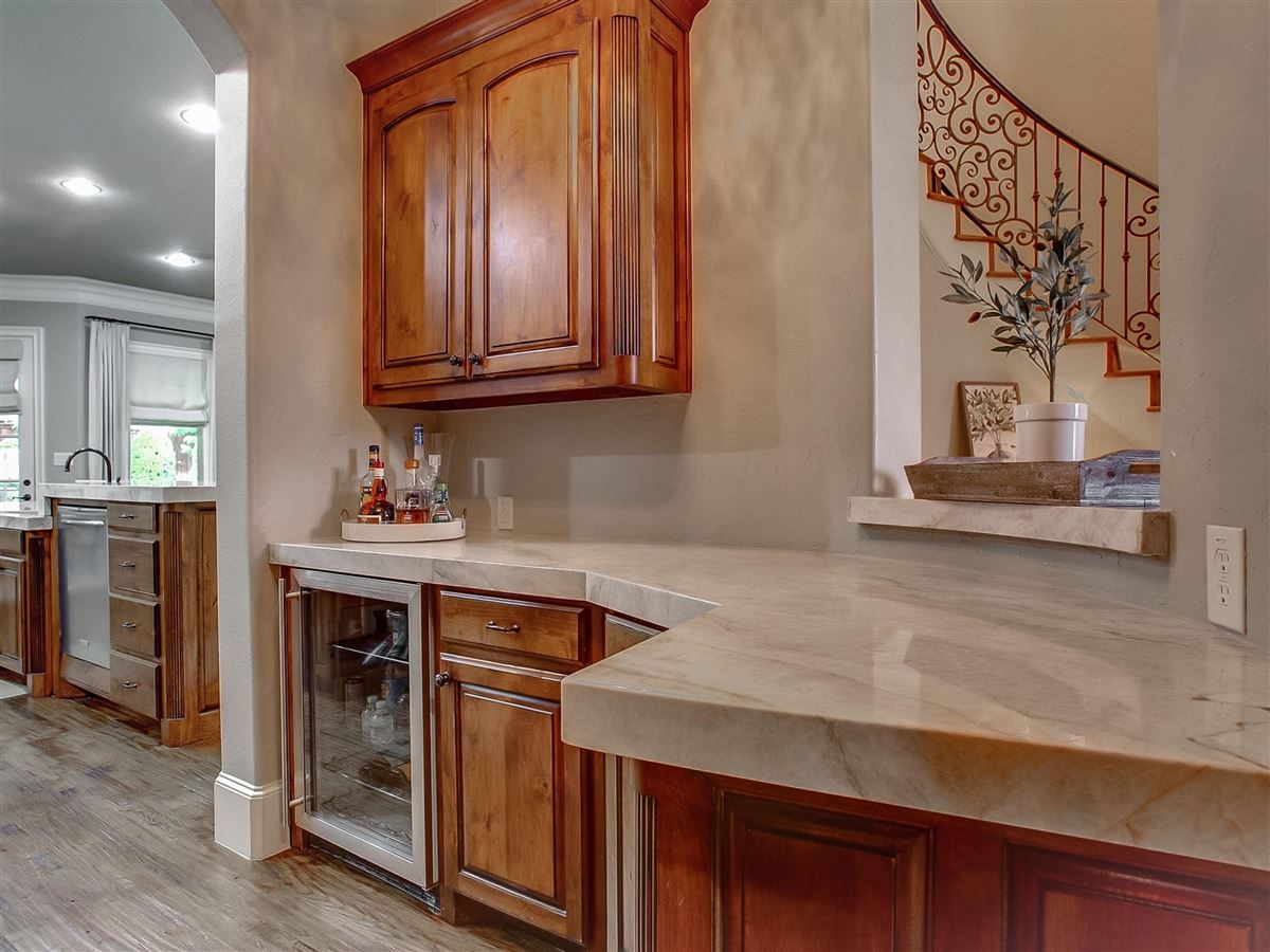 Mansions in custom home Maintained for excellence and ready to go