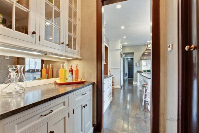 Luxury properties Ellysloyd East Lake Forest Home