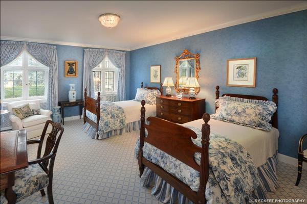 Luxury homes Country Club Living
