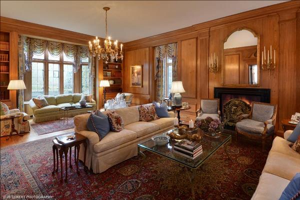 Luxury properties Country Club Living