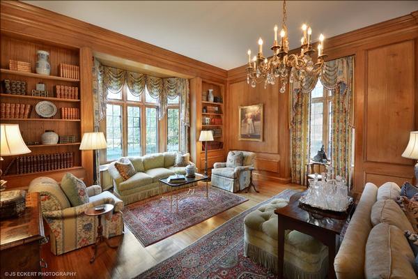 Country Club Living luxury properties