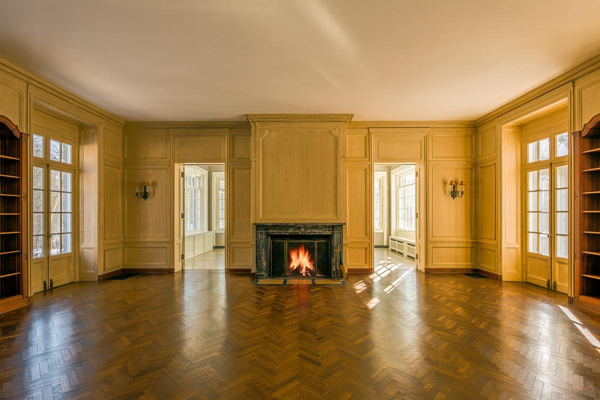 Luxury properties Howard Van Doren Shaw Estate