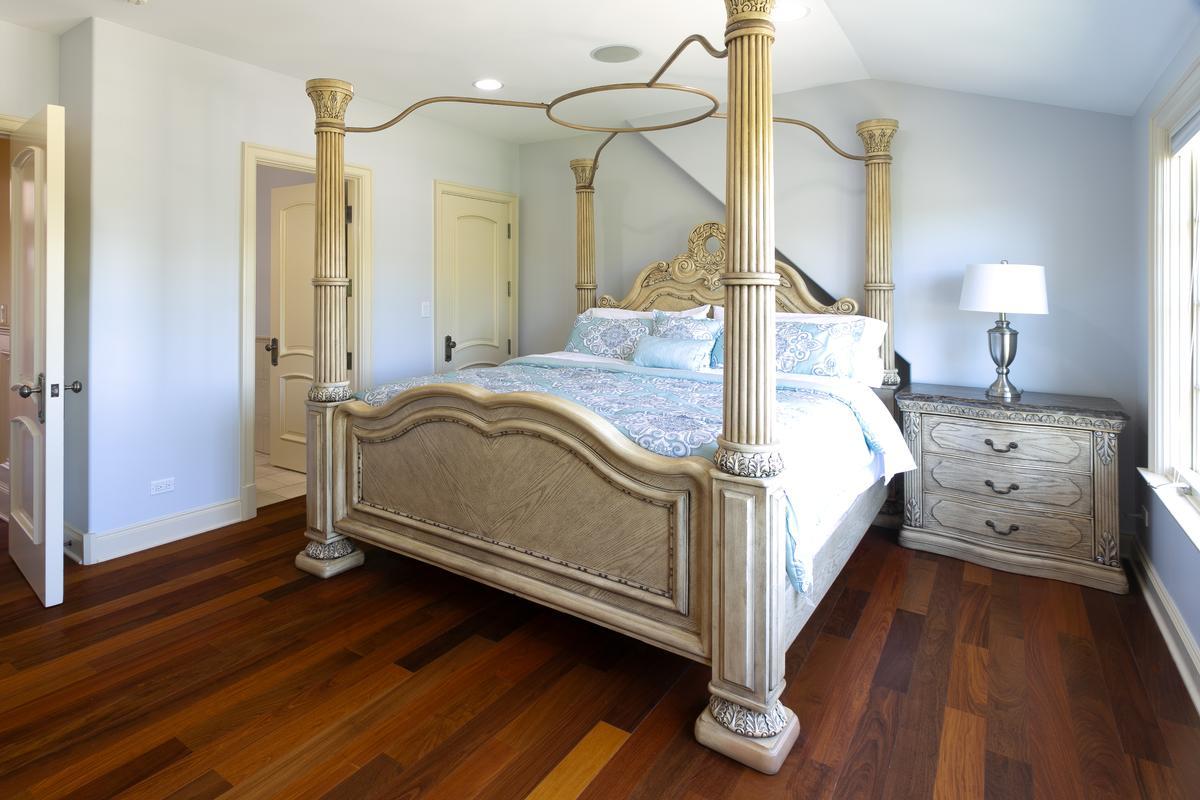 Luxury properties Custom home in Conway Farms