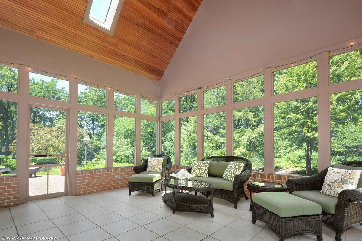 Elegant Lake Bluff Home mansions