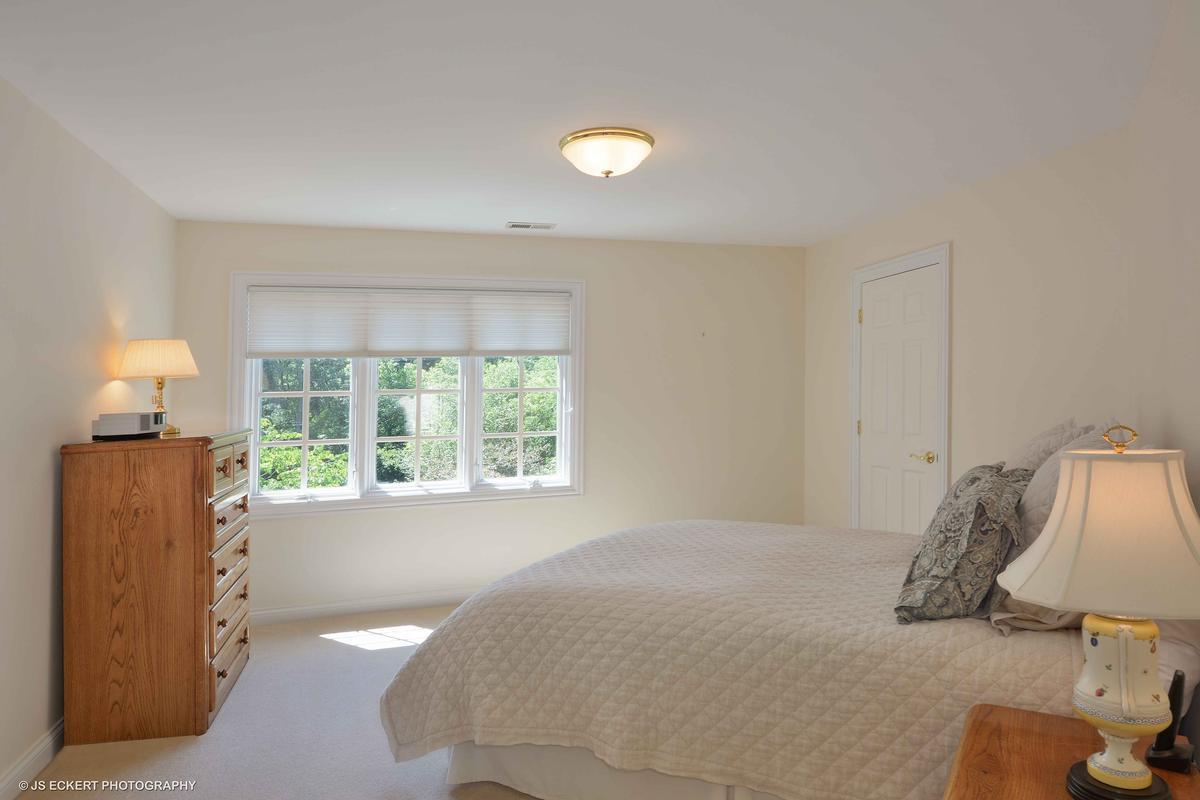 Elegant Lake Bluff Home luxury real estate