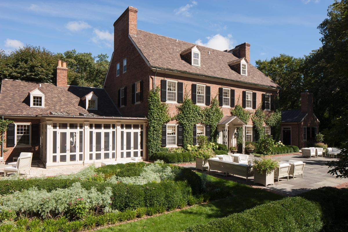 A Noteworthy Estate luxury real estate