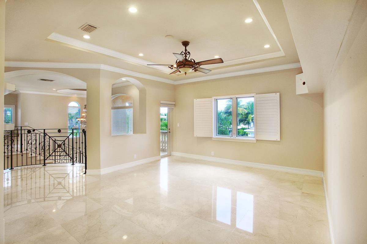 Luxury properties Absolute Perfection in Lighthouse Point
