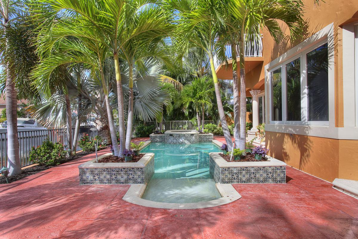 Mansions in Absolute Perfection in Lighthouse Point