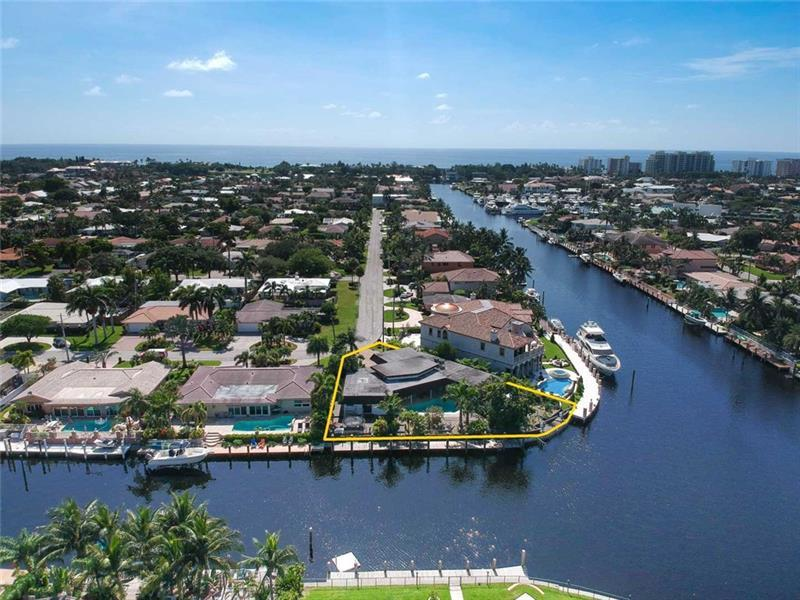 Luxury properties Beautiful home on Point Lot in Lighthouse Point