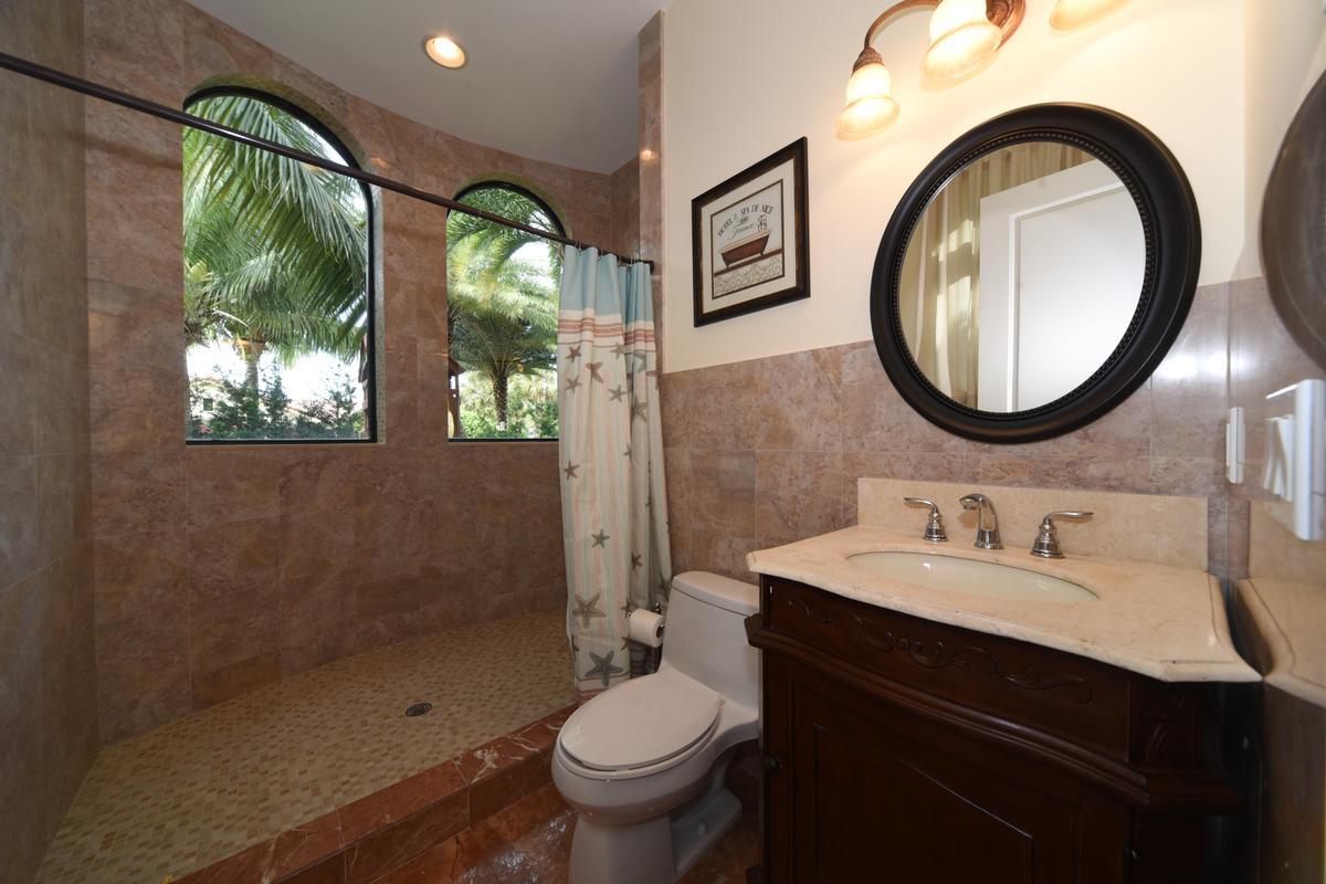 Luxury homes in 3020 NE 56 Court