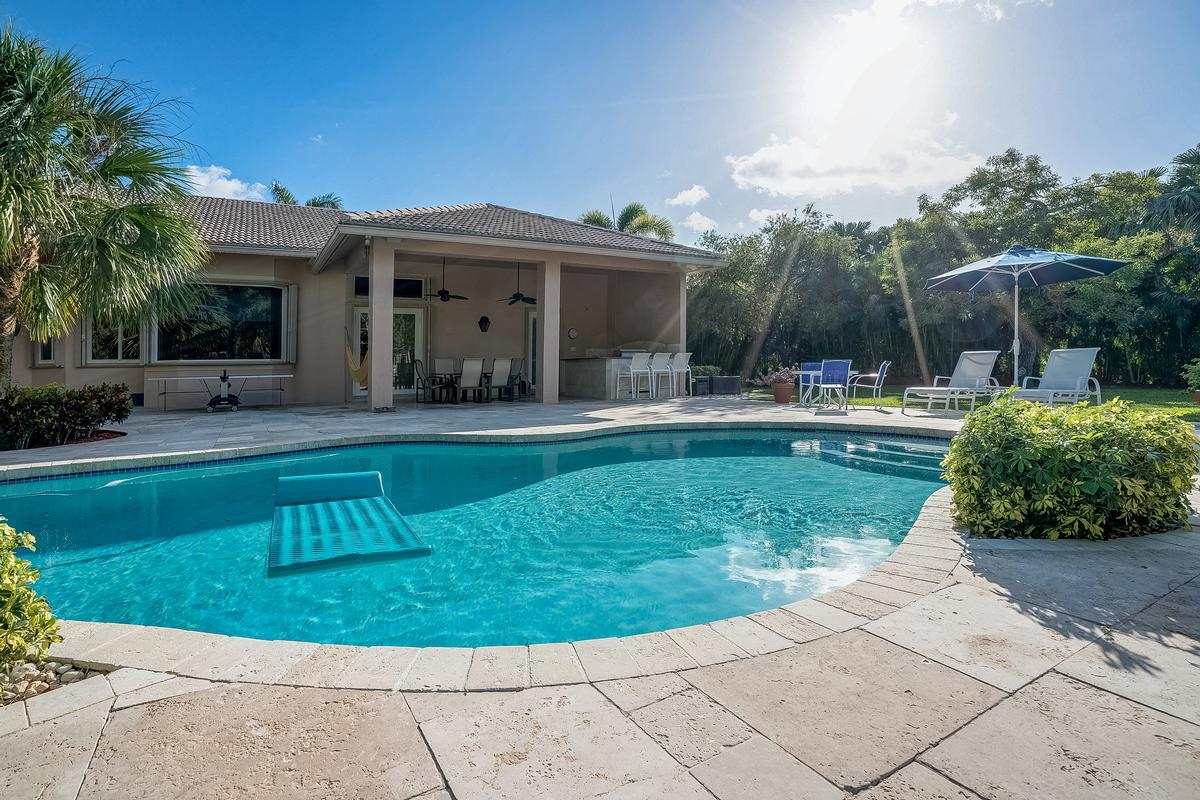 Stunning Coral Springs Beauty luxury real estate
