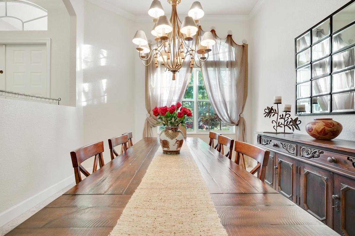 Luxury homes in Stunning Coral Springs Beauty