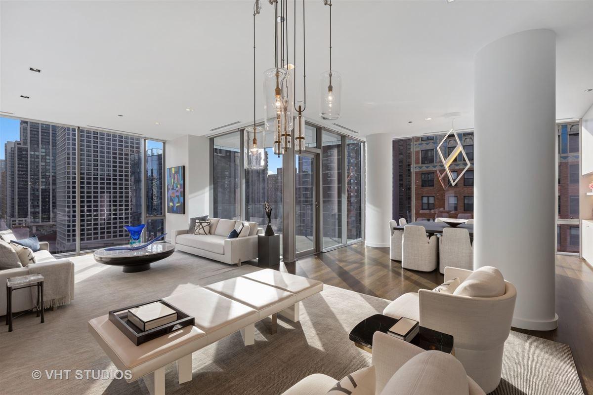 incredible unit in newer luxury building luxury homes