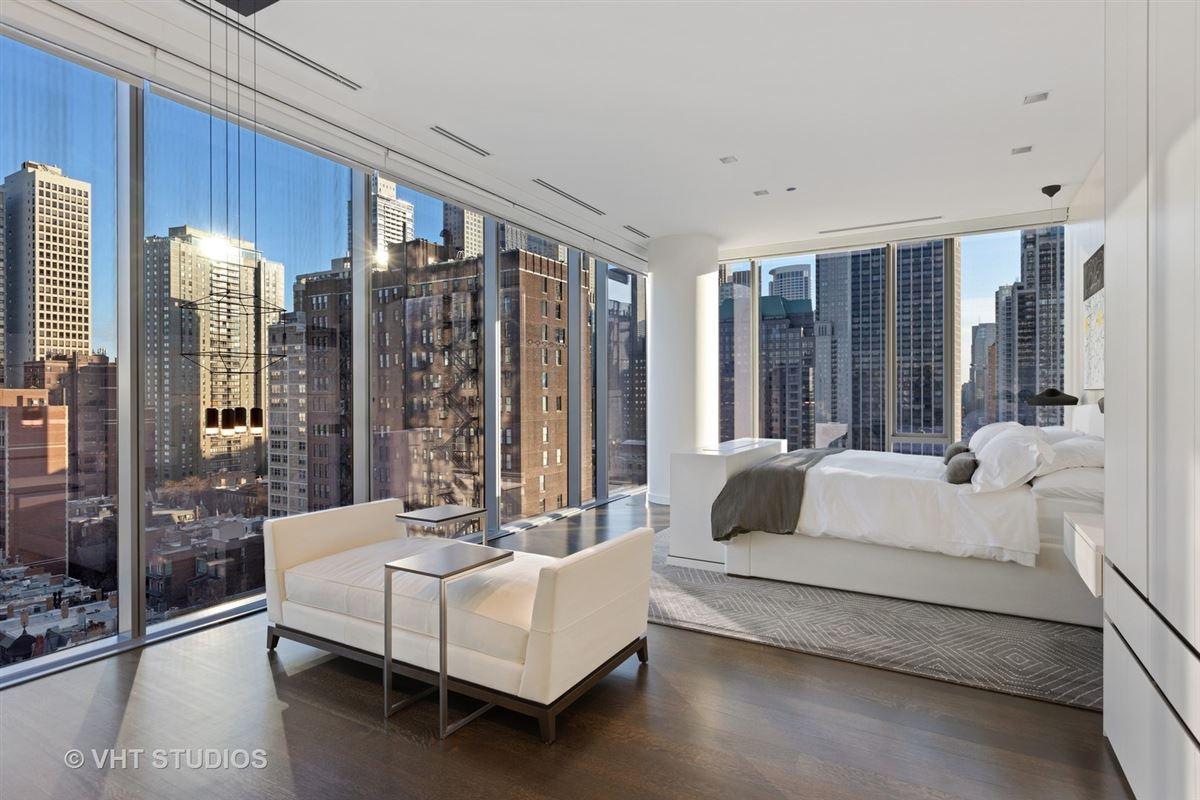 Luxury homes incredible unit in newer luxury building