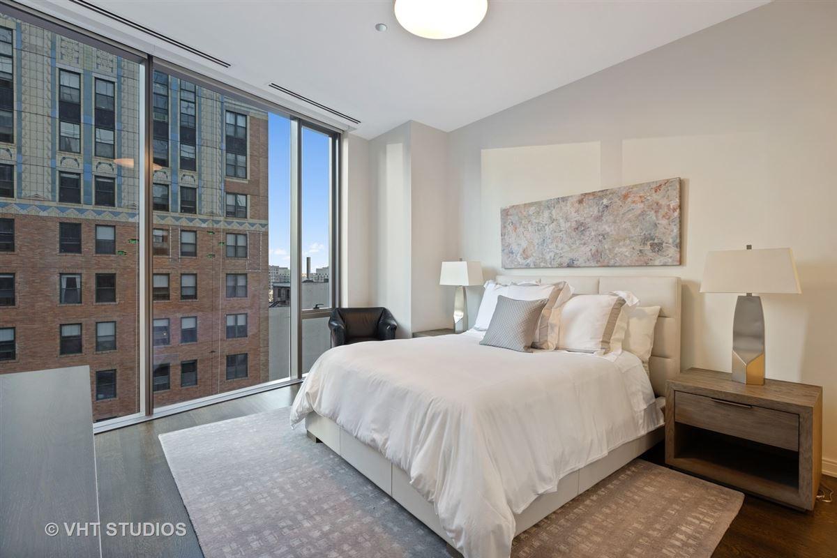 incredible unit in newer luxury building luxury properties