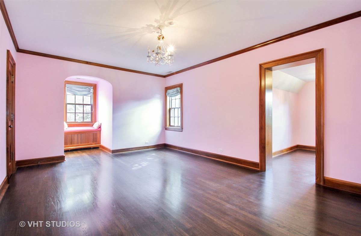a charming home in chicago luxury properties