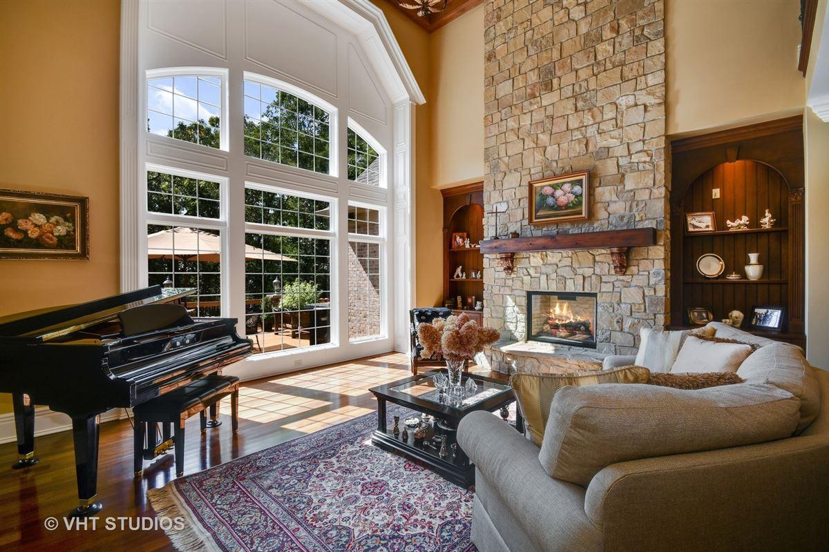 Luxury homes Gorgeous Hillside Manor Home