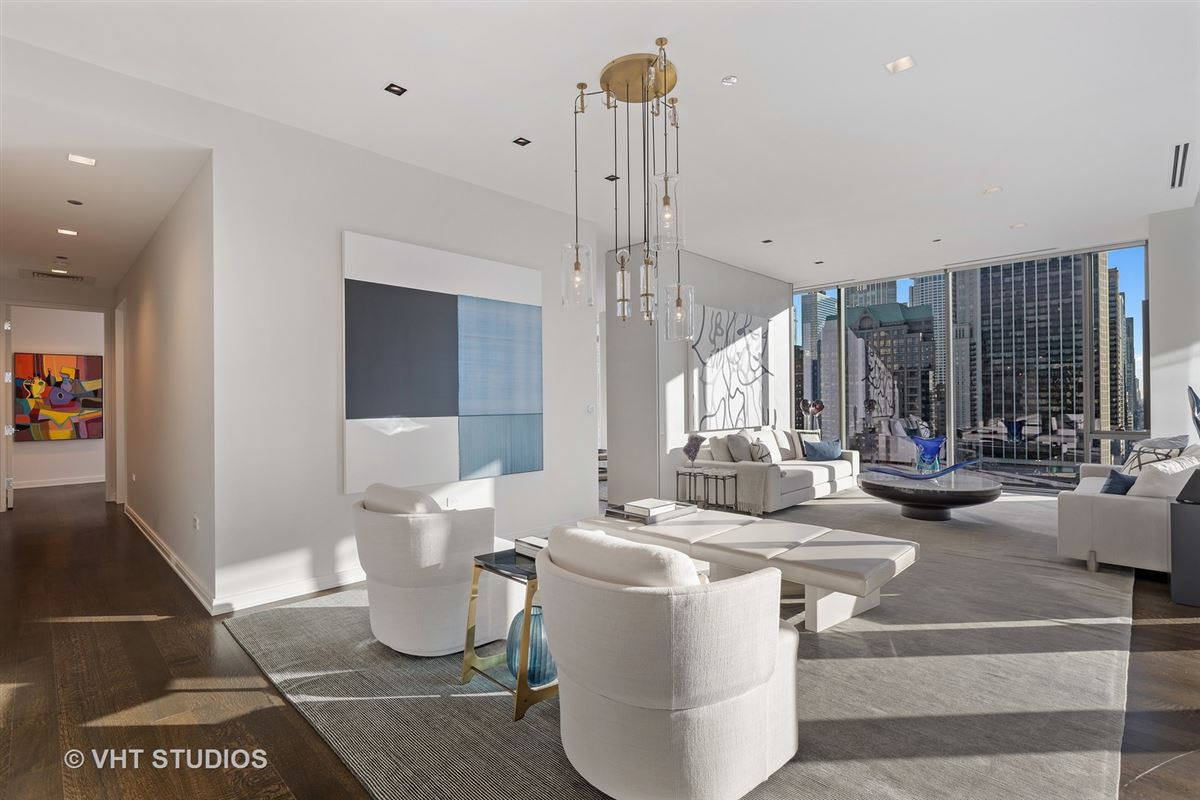 incredible luxury unit at 4 E Elm luxury real estate