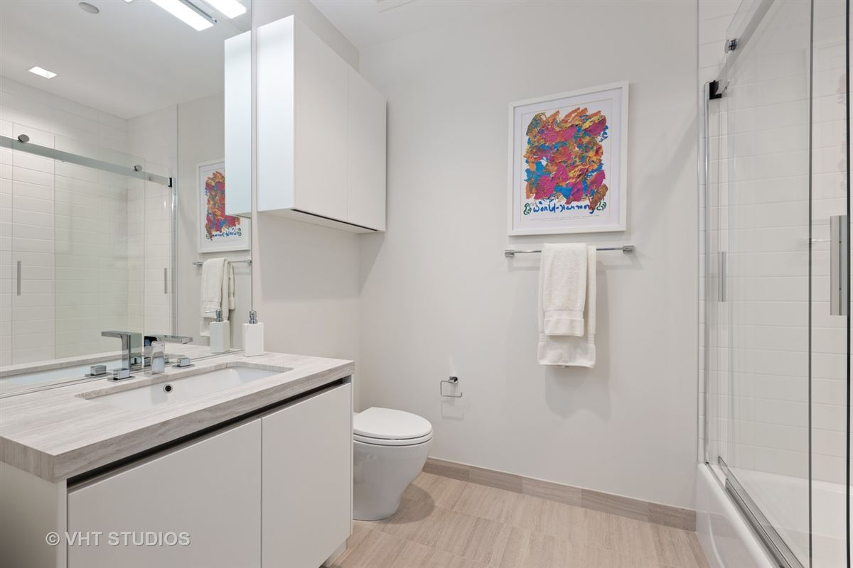 incredible luxury unit at 4 E Elm mansions
