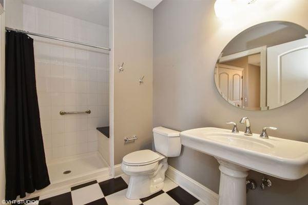 beautiful custom two-story home in Frankfort luxury properties