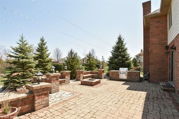 Mansions beautiful custom two-story home in Frankfort