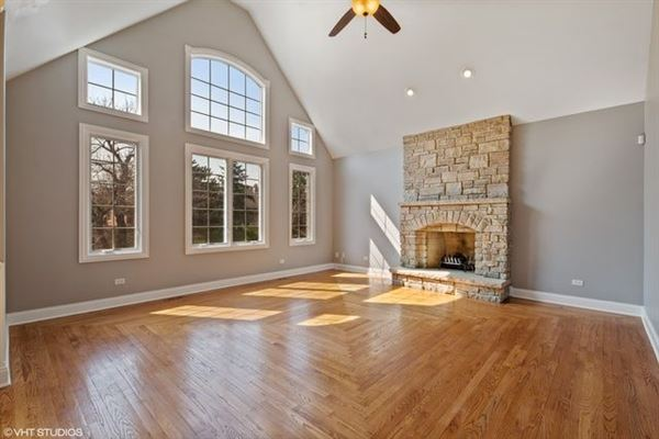 Luxury real estate desirable location and Hinsdale Central High School district