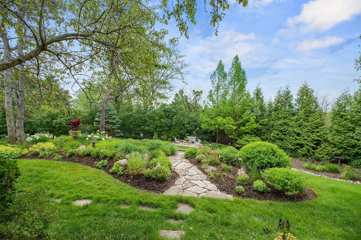 Luxury homes Gorgeous grounds provide idyllic setting