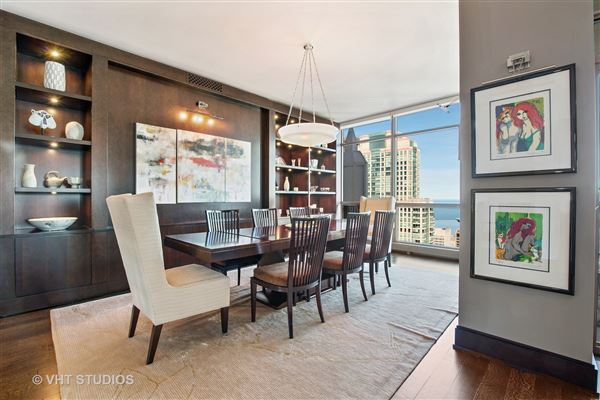 spectacular full-floor penthouse at the Pinnacle luxury real estate