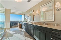 Luxury real estate spectacular full-floor penthouse at the Pinnacle