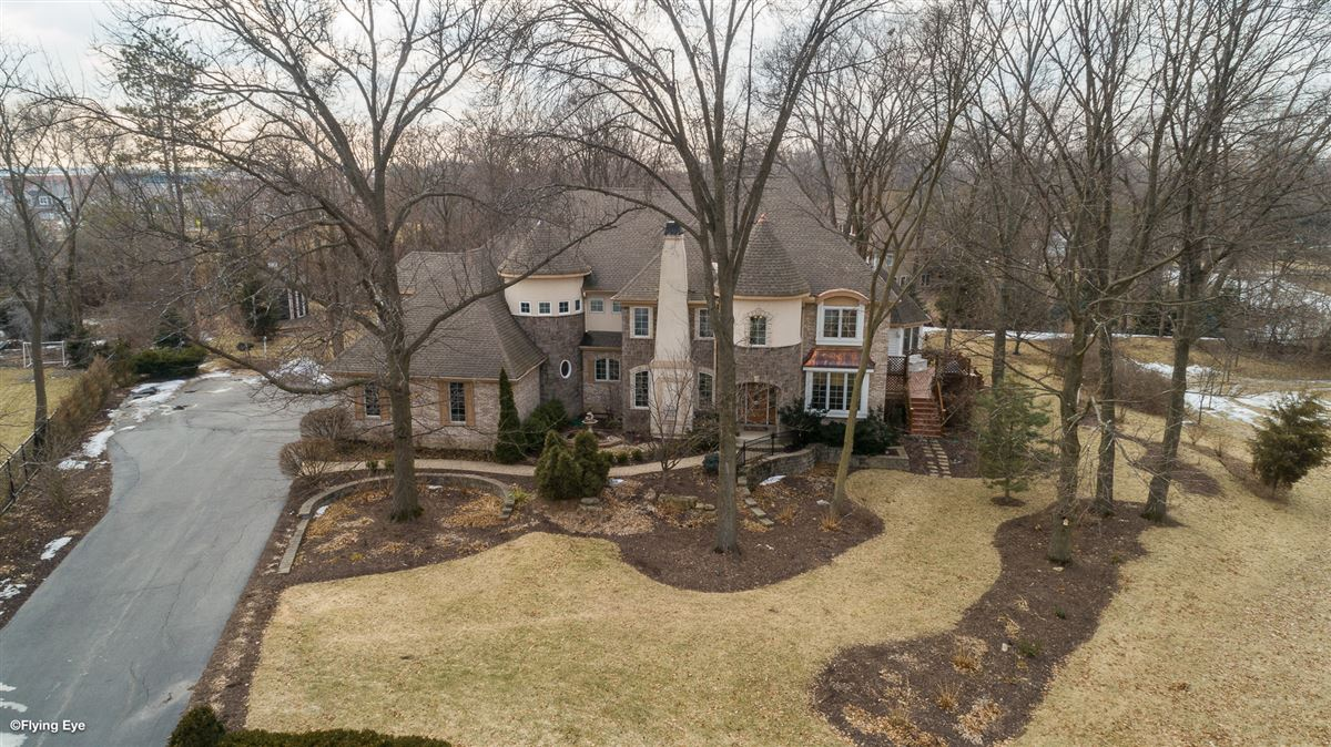 Luxury homes in gorgeous home in Picturesque setting on wooded cul-de-sac lot