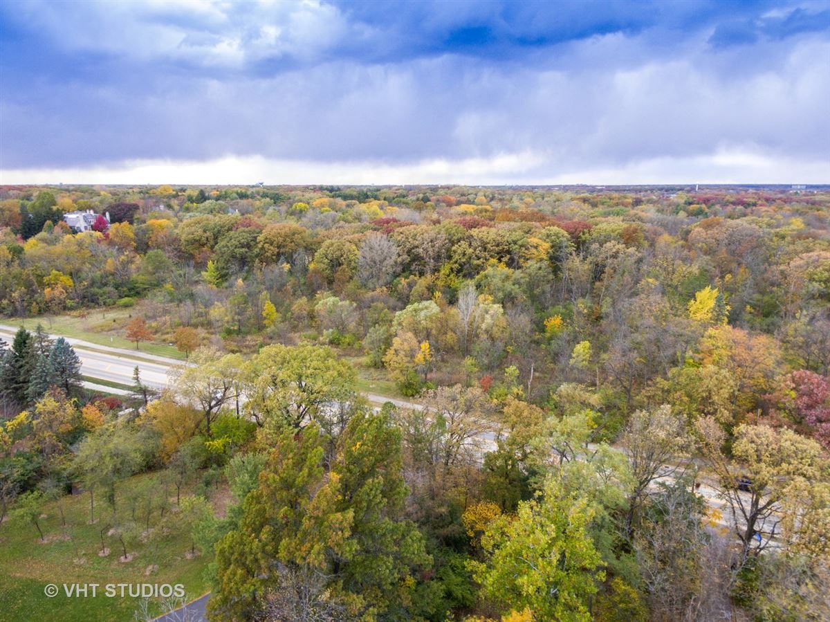 Magnificent Estate Home on gorgeous wooded parcel luxury homes