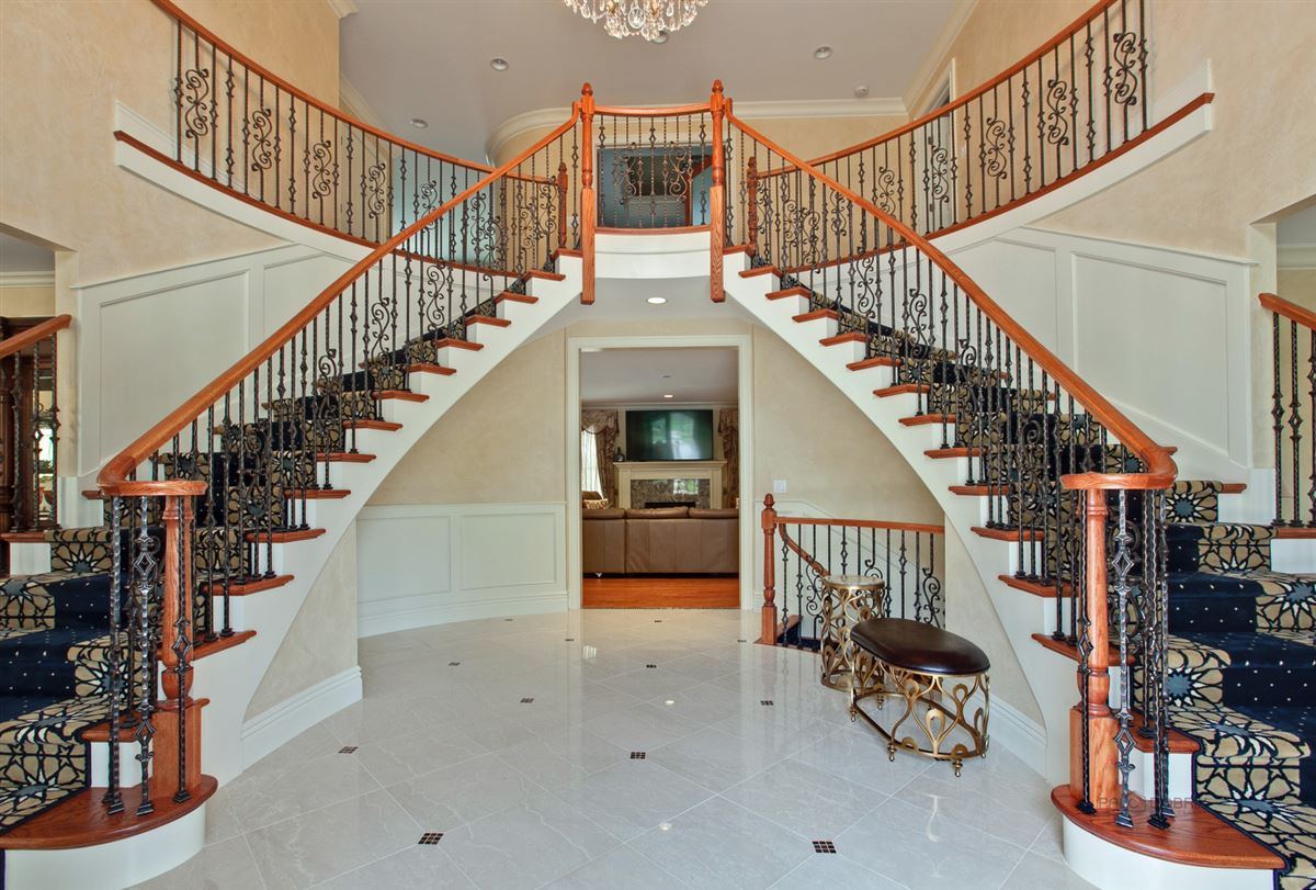 Luxury real estate Prestigious Address with Super High-End Finishes
