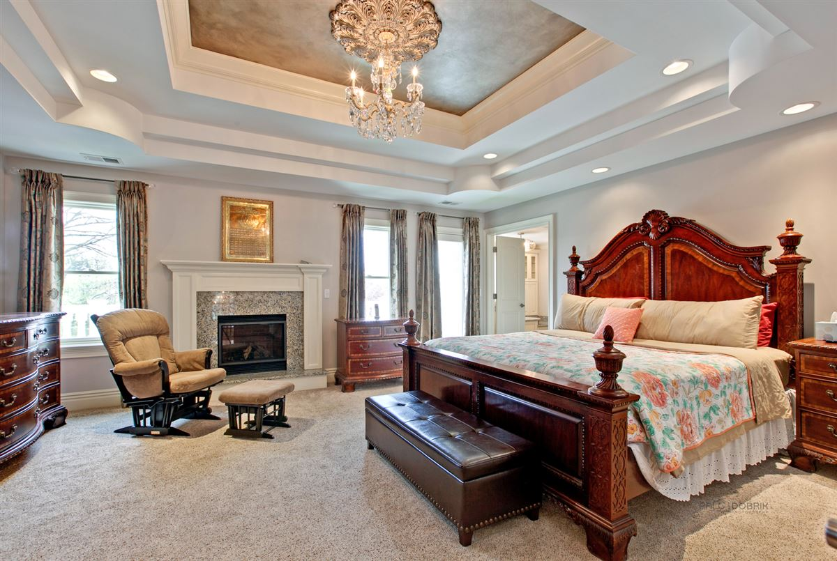 Mansions in Prestigious Address with Super High-End Finishes