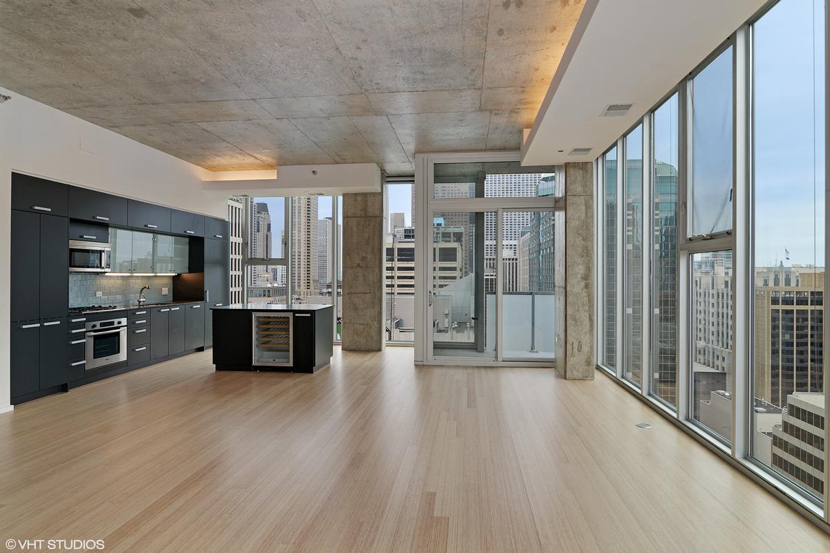 Luxury homes 550 N Saint Clair Street Unit 2501