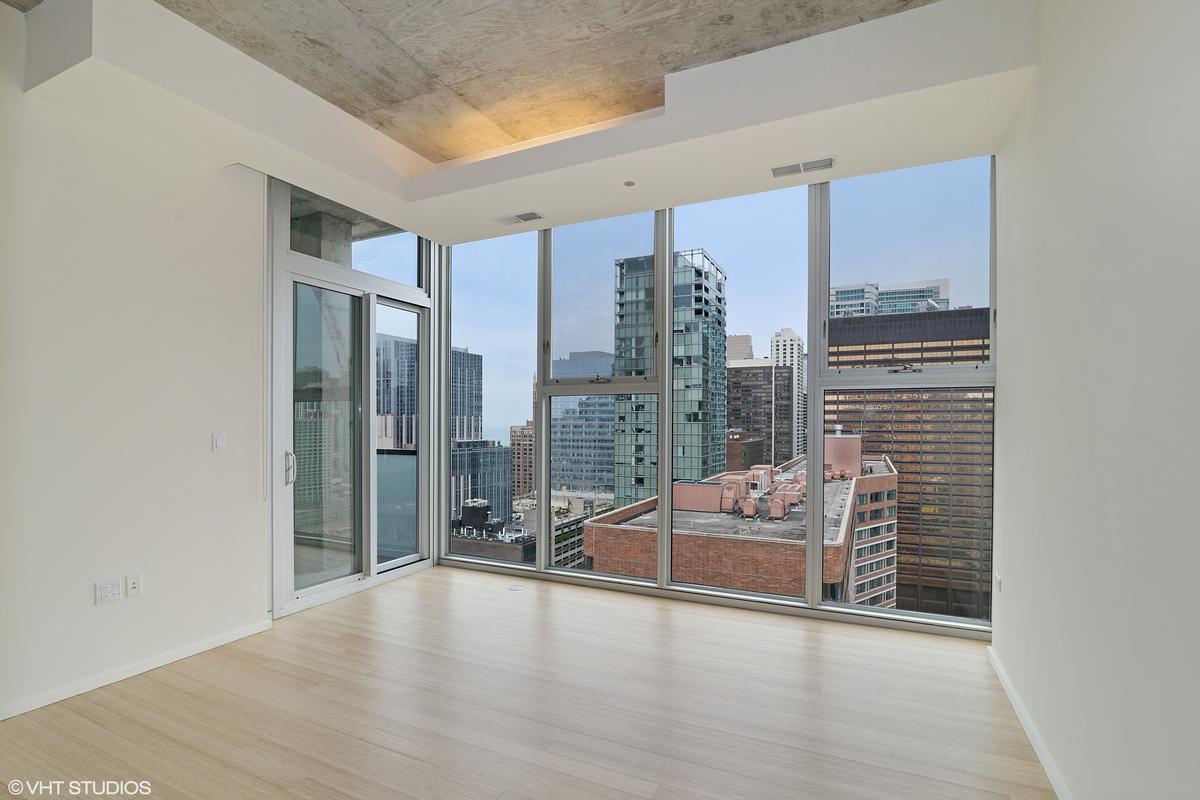 550 N Saint Clair Street Unit 2501 luxury homes